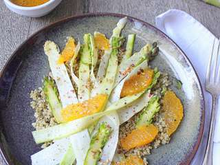 Salade de quinoa croquant, asperges crues et orange - Battle Food #61