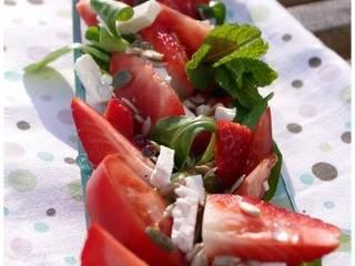 Salade de fraises, tomates, feta et billes de menthe | j'ai le coeur gourmandise