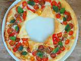 Tarte soleil aux tomates cerises multicolores (Sun tart with colorful cherry tomatoes)
